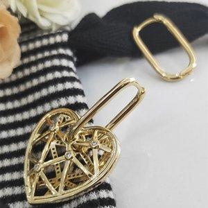 2020 nouvelles boucles d'oreilles coeur sentiment de design de mode vente chaude polyvalent Fashion Boucles d'oreilles de femmes de tempérament simple sens avancé