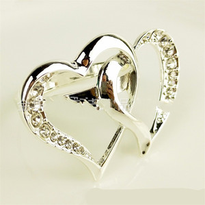 Heart Shaped Napkin Ring Rhinestone Inlay Metal Napkin Holder Crystal Napkin Buckle Weddings Party Hotel Banquet Display 6 2bg C2