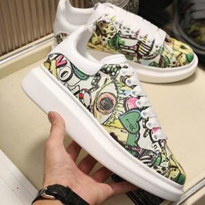 Mens sapatos plataforma de Poker Doodle amantes Graffiti Designer Sneakers clássico das mulheres Branco Casual Sapatos de couro Ladies Ins Popular Tamanho 36-46