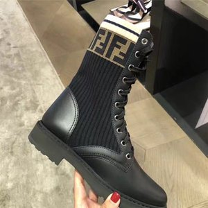 Kadınlar Arı Platformu Çöl Botları Lady deri Yarım bot Yüksek Topuk Martin ayakkabı kemer İyi kalite ile kontrol tüvit yazdır 25 renk bn08