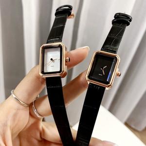 Lady Uhr 2020 Uhr-Dame berühmten Lederband Verkauf Fabrik Großhandel niedriger Preis Dial Square einfache Art und Weise Uhr-Geschenk für Mädchen