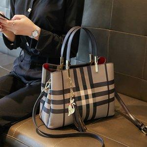 Borsa donne rivestono di pelle Etichetta bagaglio 2020 Tote Bag di nuova estate di modo di stile degli Esteri di grande capienza di spalla portatile Bag Tutto-fiammifero Messenger