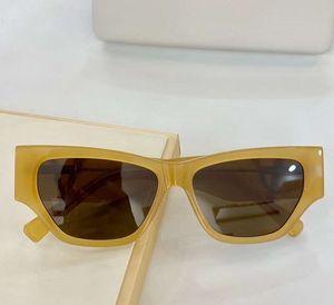 Moda 4383 gafas de sol TRANSPAREN amarillo Tan Lente de Brown del ojo de gato negro estilo Gafas de sol Gafas de sol con la caja