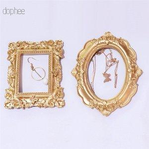 dophee 1pc Fotografía alivio colgante de estilo nórdico Marco retro del oro Decoración creativa marco de fotos