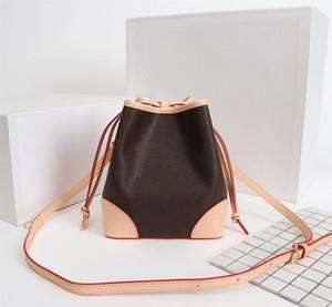 Le nouveau sac de dames sac seau cordon de serrage design M57099 est de plus en plus créatif, a non seulement un sentiment vivant et dynamique comme ba scolaire