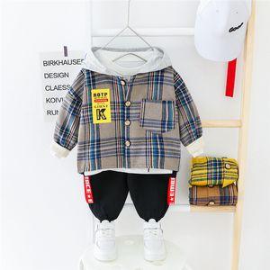 HYLKIDHUOSE 2020 Frühlings-Baby-Kleidung stellt mit Kapuze Plaid Oberteile Hosen Kleinkind-Säuglings beiläufige Kleidung Kinder Kinderkostüm Y200803