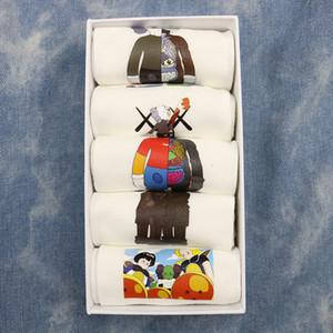 5 pairs of boxed Street cartoon graffiti trendy socks trendy low-top boat Socks cotton couple