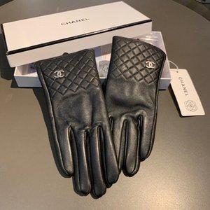 2020 nouveaux de haute qualité des femmes en peau de mouton brodé gloves1 chaud