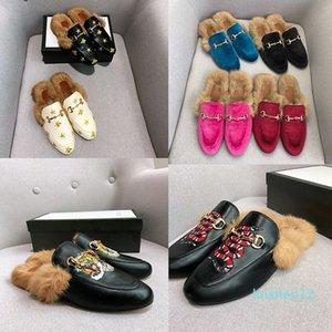 Kadın Katır Kürk Terlik Açık Düz Lüks Tasarımcı Moda Mule Ladies Loafers Bayan FW Terlik Süet Nakış Gerçek Deri Ayakkabı L12