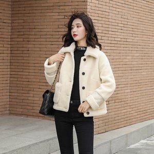 خروف معطف فرو أنثى 2020 جديد الموضة الضأن الشتاء الشعر سترة قصيرة نخالة لون واحد متين جودة عالية المرأة جلد الغنم معطف