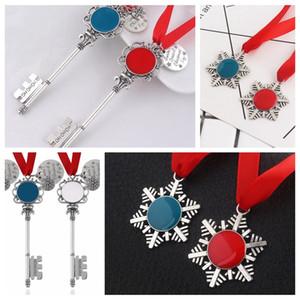 2 Styles de Noël magique du Père Noël clé Pendentif Décorations de Noël Décorations Halloween Party keychian neige Keyring cadeau Faveur LJJP316