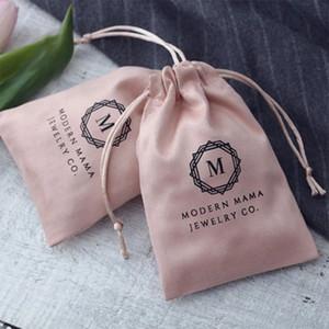 50pcs / lot jóias dom sacos-de-rosa flanela Drawstring Bolsas Wedding Jóias Embalagem favor sacos cosméticos tamanho pode Personalizado / Logo