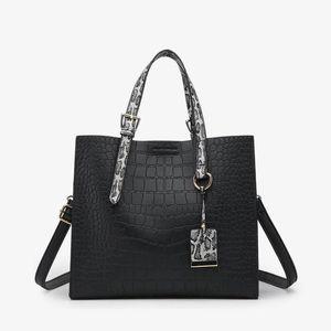 RAVIDINO Крокодил Мода сумки женщин змеиной Широкий плечевой ремень сумки на ремне пряжка высокой емкости Тотализаторов 2020