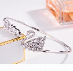 Mode Charm Bracelets Animaux Femmes Luxe Chaîne Diamants Or Main Marque Designer Femme SWA Bijoux Colliers en ligne