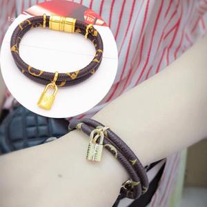 Louis Vuitton 19cm amour de la mode Louis Bracelets en cuir pour hommes garder Femme Concepteurs Couples serrure V bracelet fleur ce modèle bijoux Bracelet yA01 #
