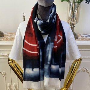 Neue Art gute Qualität 100% Kaschmir Material dünn und weich Druckbuchstaben Gradienten langer Schals für Frauen Größe 180cm -95cm