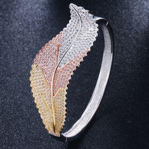 2020 new luxury bracelet fashion personality creative leaf bracelet super flash luxury zircon bracelet bangles for women