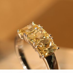 Fashion- Three Princess Cut Stone White Gold Plated Rings Jewelry Rectangle Cubic Zircon Rings Party Jewelry Women Gift