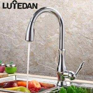 Lutedan 3-colore puro Brass Pull Out Kitchen rubinetti acqua calda e fredda del singolo foro maniglia rotazione a 360 gradi Acqua Miscelatori