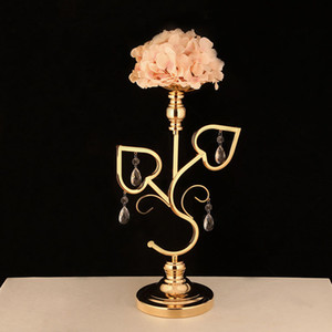 10pcs Lot Table Candle Holder Plating Candlestick Geometric Romantic Candle Holder for Wedding Dinner Decoration Rode Lead ZZT42