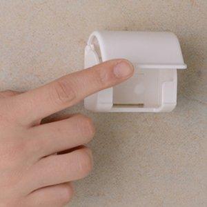 Dustproof plastic holder hanger for men razor shaver bathroom accessories
