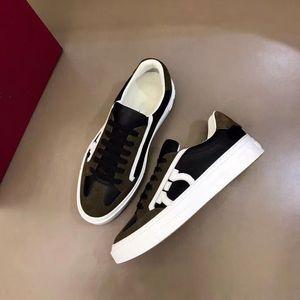 Ferragamo 2020 Livraison gratuite Top Mode Hommes en cuir de vache confortables chaussures plates Casual chaussures haut de C01