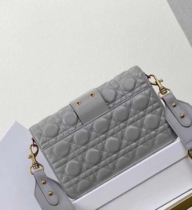 neue Handtasche Schultertasche Frauen Brieftasche Umhängetasche hochwertiges Lamm Kette und breiten Gürtel eine Vielzahl von Stilen Änderung shoulde bestickt