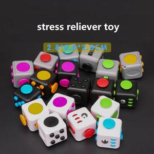 어린이와 성인을위한 안티 스트레스 큐브 장난감 감압 장난감을 눌러 매직 스트레스와 불안 완화 우울증 안티 큐브