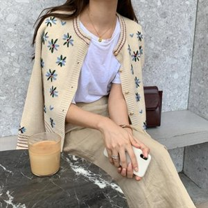2020 New Autumn Floral Embroidery Knitted Sweaters Vintage Knit Cardigan Female Fashion Sweater Coat Women Clothing