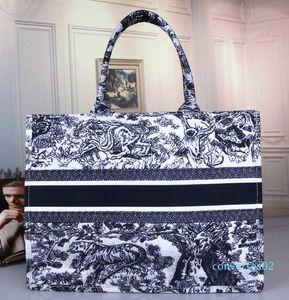2020y modo caldo Designer Handbag Stampa ricamo multicolore di spalla di grande capienza Borsa Secchiello CO02