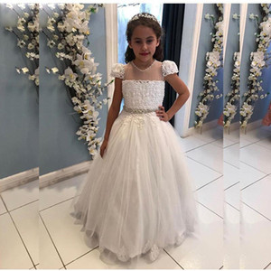 Customized White Pearls Flower Girls Dresses Jewel Neck Short Sleeve Crystal Belt Kids Communion Dress A Line Backless Toddler Prom Gown L30