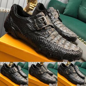 2020 zapatos de moda de vestir para hombre con zapatos de primera clase superior en relieve de cuero de vaca hebilla de decoración formal de negocios masculino boda de conducción