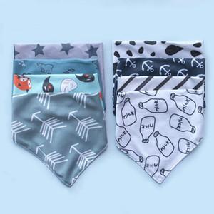 Newborn Feeding Scarf Cartoon Print Triangle Saliva Towel Cotton Baby Bibs Burp Cloths Bebe Snap Bib Christmas Accessories 8 Designs BT5784