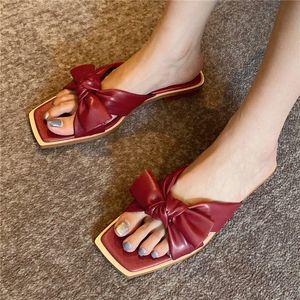 Opentoe plano de los zapatos 2020 nueva llegada populares Mujer Zapatillas mariposa-nudo corredizo-en verano sandalias de cuero rojo y amarillo de la manera