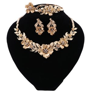 Fashion Dubai Jewelry Sets Charm Indian Bridal Gold Color Flower Necklace Bridesmaid African Wedding Ladies Jewelry Sets