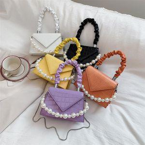 Totes Femeninas Populares Mini Bolsas Mujeres Pearl Crossbody Plised Manija Diary Handbag Lady Simple Shoulder Chain Bag Othhg