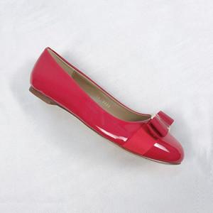 Superstar Bow Tacones altos New padrão Loafers Grosso couro de patente calcanhar meio Simplicidade Designers sandálias sapatos rasos Individual