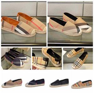 Classics Designer Loafers Mulheres Alpercatas sapatos baixos lona e Real Lambskin Loafers dois cap toe tom Moda sapatos casuais BR4