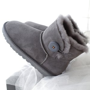 2020 Sheep Fur Integrated Snow Boots Women's Short Winter Non-slip Warm Boots Low Top Leather Cotton Shoes stivali platform boots