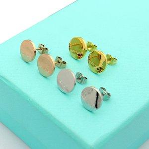 뜨거운 판매 클래식 패션 레이디 티타늄 스틸 라운드 디스크 음각 T 편지 약혼 결혼 스터드 귀걸이 3 색