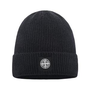 Mode brodé brimless Chapeau Hip Hop casquette crâne Bonnet en tricot polaire Chapeau Femmes Hommes Casual solides laine Portable Caps