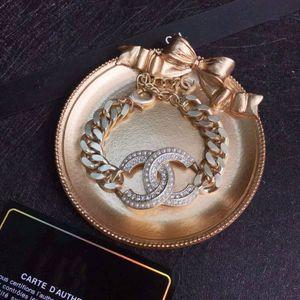Europäische und amerikanische Art und Weise Verkauf Diamant und Perle Damen Armband