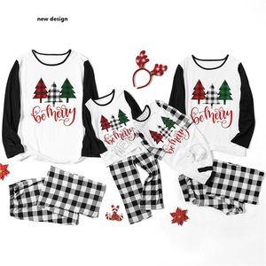 Baby Kids Family Christmas Pijamas 2 Piece Set Xmas Árvore Com Capuz Blusa Pulôver T-shirt Calças Xmet Calças De Algodão Sleepwear Terno de Correspondência D91607