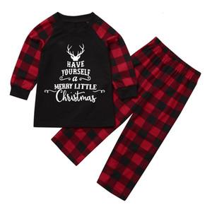 Liquidazione molla del bambino dei vestiti di autunno lettera stampata di tops + pants dei ragazzi delle neonate di Natale Plaid familiari di corrispondenza Pajamas Set
