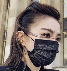 Fashion Lace Print Einweg-Gesichtsmaske Einweg-Schwarz-Gesichtsmasken Non-Woven-Maske Anti-Staub-Einweg dreischichtige Schutzmasken 50pcs