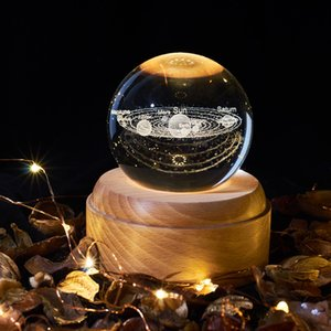 Boule de cristal en bois Musique Luminous Box Music Box Projecteur Rotary Innovante cadeau d'anniversaire Musique manivelle Boîte Mécanisme cadeau