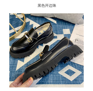 Top Quality Platform Platform Designer Shoe Triple Black Velvet Bianco Oversized Men Donne Casual Sneaker Party Vestito pieno Vestito in vitello