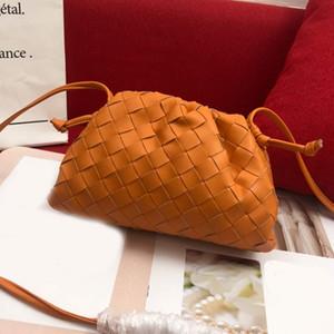 Venda quente Moda Crochet Womens Jantar Bandoleira Sacos Retro clássico Mão Bag Ladies Qualidade Bolsas Nuvem Bags