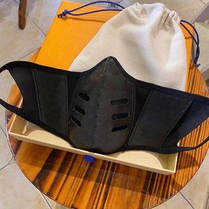 2020 Fashion Party Máscaras Designer Anti Poeira reutilizável lavável couro Lux Mask Natal da manta pano de rosto Unisex Outdoor cobrir o rosto