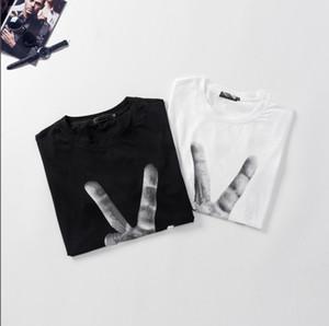 T-shirt Lettre d'été nouvelle tendance masculine Imprimer Round respirante de haute qualité cou hommes shirt T-shirt 2 couleurs Taille M-3XL